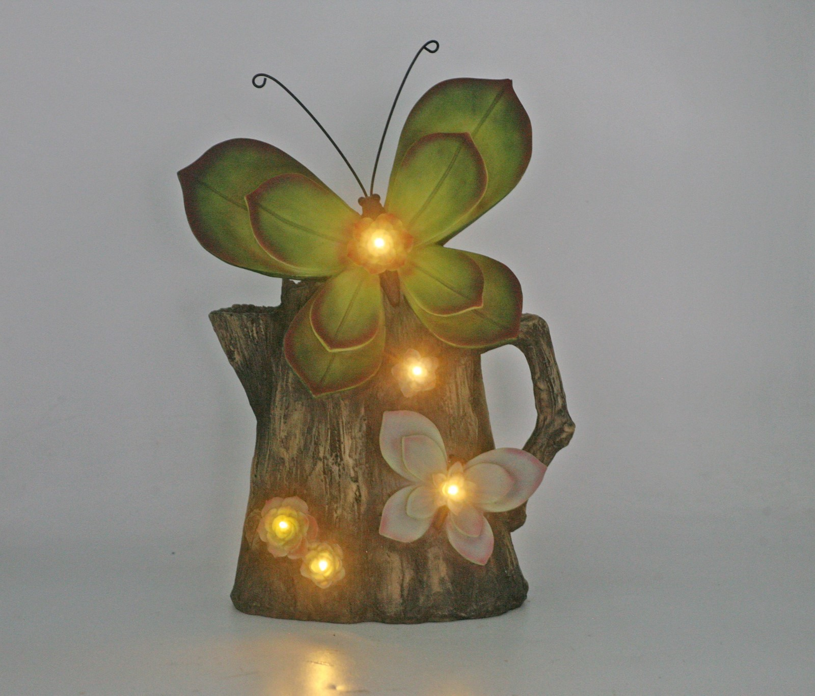 New type resin butterfly on water can with solar light